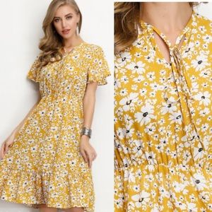 Dresses & Skirts - - Yellow dress floral NWOT